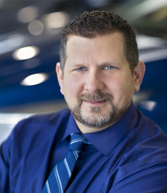 Dustin Wallace : Sales and Leasing Consultant