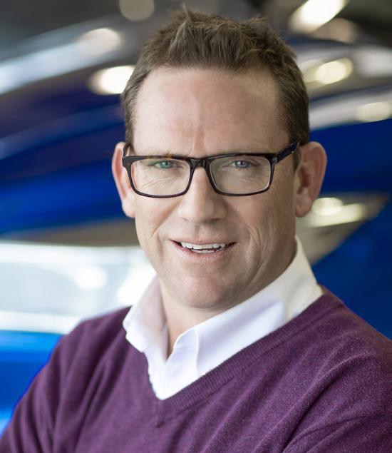 John Forsythe : Sales Manager